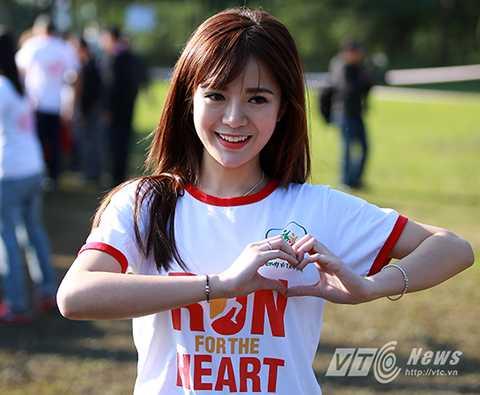 Hot girl M.U Tú Linh cũng góp mặt, tham dự chương trình.