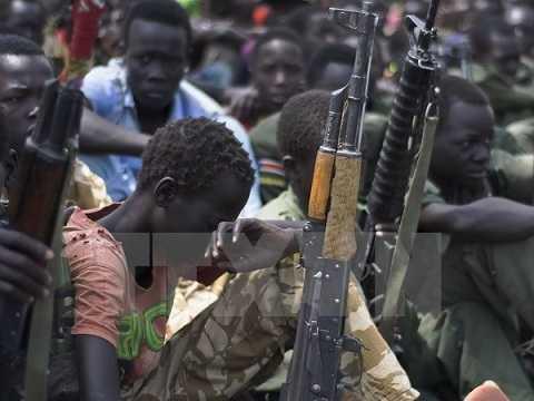 Lễ giải ngũ và giải giáp binh sỹ là trẻ em do Quỹ Nhi đồng LHQ bảo trợ tại thị trấn Pibor, Nam Sudan ngày 10/2