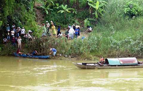Lực lượng cứu hộ vẫn đang nỗ lực tìm kiếm thi thể nạn nhân