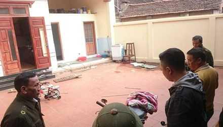 Rạng sáng nay (7/12), một vụ thảm án xảy ra trên địa bàn thôn 4 xã Canh Nậu, huyện Thạch Thất, Hà Nội. Bốn người trong gia đình bị truy sát, trong đó 2 bố con tử vong.