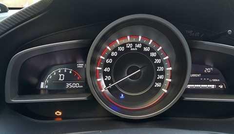 Hiện tượng đèn báo lỗi động cơ trên Mazda 3 1.5L 2015 vẫn chưa được giải quyết triệt để. Ảnh: Mazda 3 Club Vietnam.