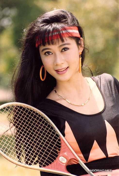 Được coi là một trong những mỹ nhân đình đám nhất thập niên 90, nhưng đường tình yêu của Diễm Hương lại trắc trở khi bị đại gia lừa tiền vào đúng ngày cưới.
