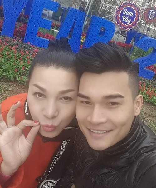 Vợ chồng Lê Duy -  Trần Hiếu.