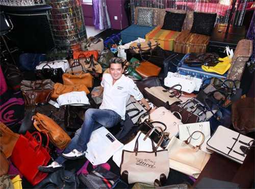 Bộ sưu tập túi xách, giày dép, quần áo, trang sức của Mr. Đàm có giá bằng 2 căn nhà mặt tiền.