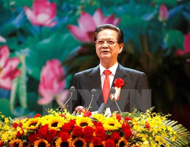 Thủ tướng Nguyễn Tấn Dũng, Chủ tịch Hội đồng Thi đua-Khen thưởng Trung ương phát động thi đua tại Đại hội. (Ảnh: TTXVN)