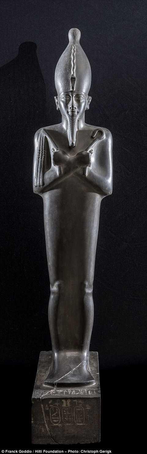Tượng thần Osiris - vị thần đại diện cho thế giới bên kia.