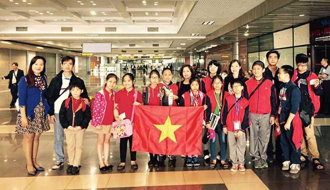 Đoàn học sinh Việt Nam trước ngày tham dự cuộc thi