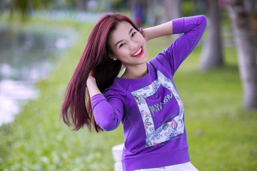 Hoàng Oanh - bạn gái của nam diễn viên Huỳnh Anh - chia sẻ, từ ngày bé tới giờ, cô vẫn luôn trung thành với kiểu tóc dài và chưa bao giờ có ý muốn thay đổi.