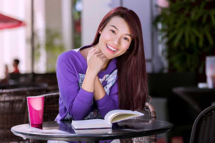 Người đẹp sinh năm 1990 tiết lộ, mái tóc dài cũng là thứ giúp cô tỏa sáng trong cuộc thi Miss Photo 2012 (Hoa hậu Phụ nữ Việt Nam qua Ảnh) và giành vị trí Á hậu 1.