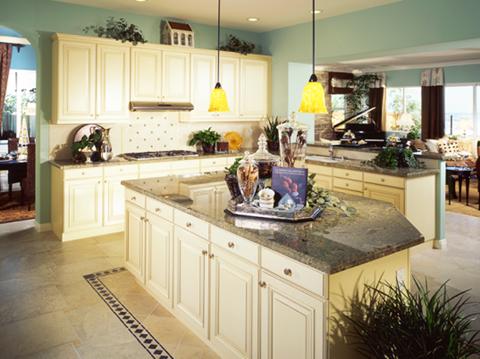 Phía trên tủ bếp là nơi tích tụ rất nhiều năng lượng