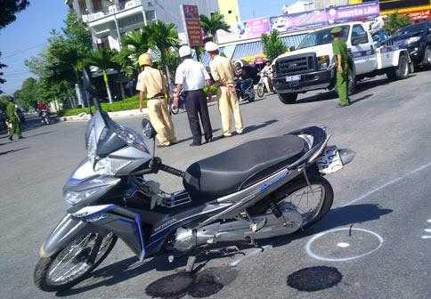 Cơ quan công an dựng lại hiện trường vụ tai nạn
