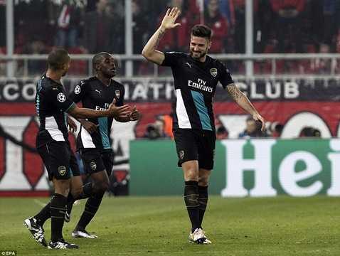 Giroud lập hat-trick đêm qua