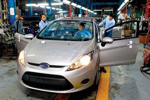 Dung lượng thị trường ô tô đã tăng mạnh, nhưng giá xe không giảm