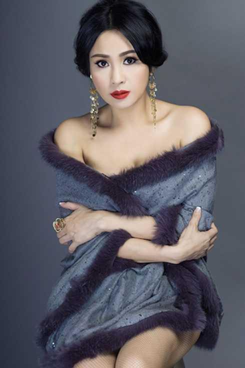 Lên chức bà ngoại, Thanh Lam ngày càng đẹp đằm thắm.