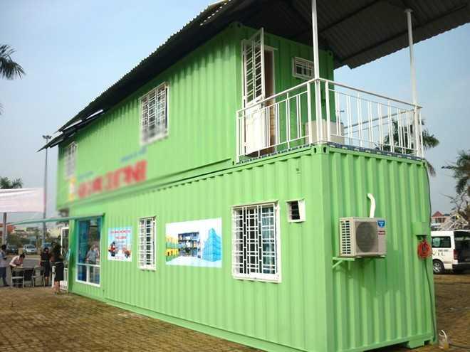 Một ngôi nhà container được lắp ráp từ 2 thùng container, có mức giá từ 100-300 triệu đồng, tùy vào thiết kế. Ảnh: Tuấn Anh.