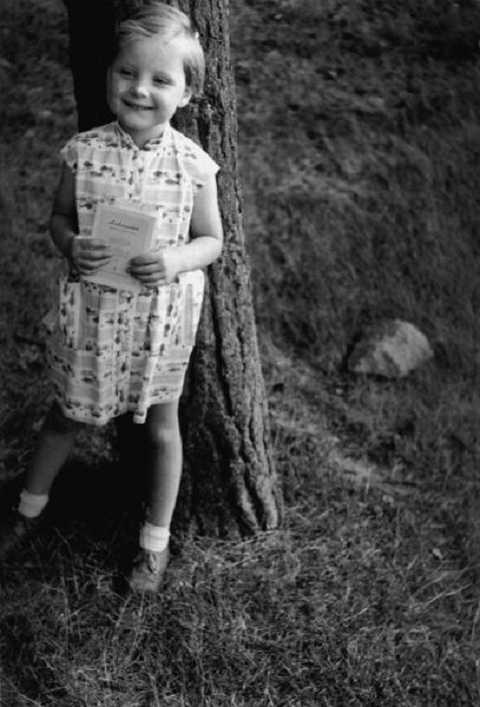 Hình ảnh Angela Merkel hồi còn nhỏ