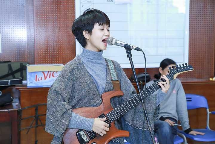 Tiết lộ về sân khấu năm nay Tùng Dương cho biết cũng sẽ tiếp tục gây bất ngờ với khán giả.
