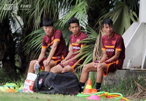 Xuân Trường, Hồng Duy, Ngọc Thắng chấn thương khi cùng U23 Việt Nam chuẩn bị cho vòng loại U23 châu Á (Ảnh: Hà Thành)