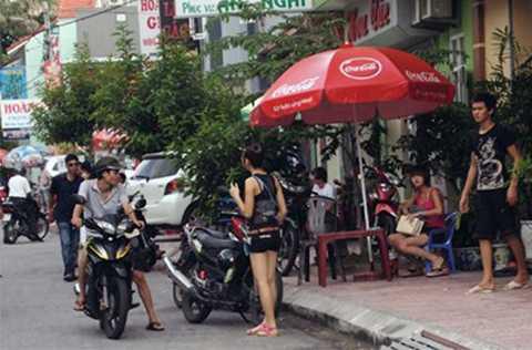 Theo ông Nguyễn Xuân Lập, Cục Trưởng Cục phòng chống, tệ nạn xã hội tình trạng mại dâm trá hình diễn ra gần như công khai