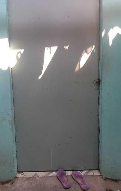 Cửa phòng trọ luôn được đóng kín sau khi xảy ra vụ việc.
