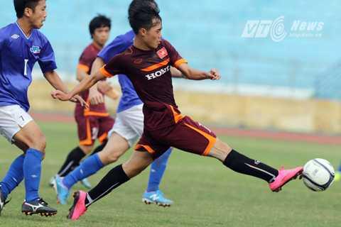 U23 Việt Nam thua toàn diện đội bóng hạng tư của Nhật ở trận đấu tập hôm 12/12 (Ảnh: Quang Minh)