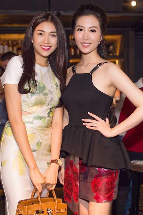 Á hậu Thuỳ Trang và Á hậu Lệ Hằng.
