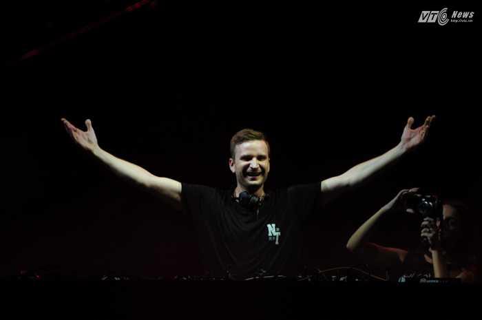 Đây là một trong số những DJ đang có triển vọng lớn trên thế giới - Ảnh: Tùng Đinh