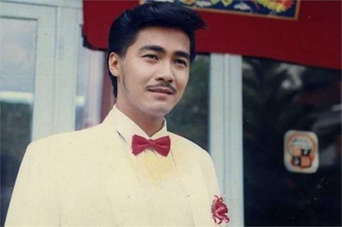 Vẻ điển trai của Lý Hùng ở thời hoàng kim.
