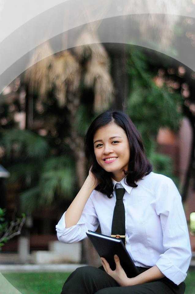 Nguyễn Linh Trang sinh năm 1994, theo học lớp B16D44, có sở thích đi du lịch và đam mê võ thuật.