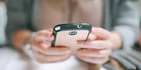 Theo dự luật mới, thiếu niên châu Âu chưa đủ 16 tuổi không được phép tham gia mạng xã hội.
