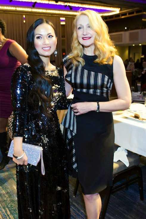 Hà Phương và Patricia Clarkson (nữ diễn viên từng thắng giải Emmy, cũng như nhận giải đề cử ở hàng loạt giải thưởng danh tiếng như Tony, Oscar, Quả Cầu Vàng…)