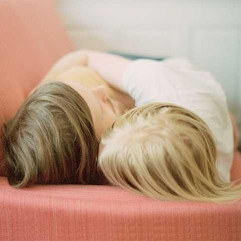 Ngủ ôm là một nghề nghiệp được công nhận ở nhiều quốc gia