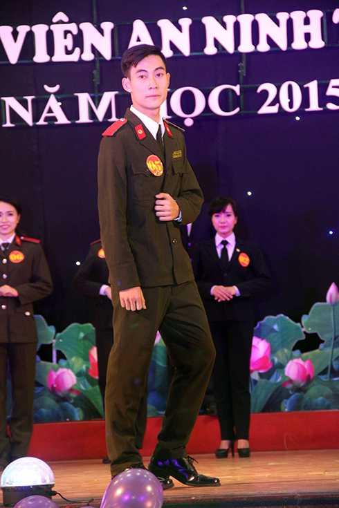 Cao Trường Minh là sinh viên lớp B14D46.