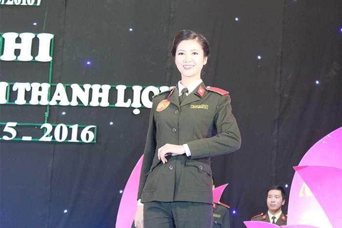 Thí sinh Trương Thị Tuệ Nhi (SBD 03) sinh năm 1996.