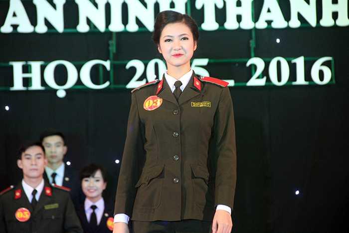 Trương Thị Tuệ Nhi đang học lớp B3D46, có sở thích tìm hiểu văn hóa, truyền thống dân tộc.