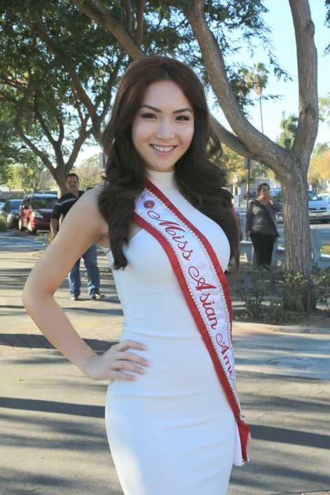 Luôn giữ cho mình một hình đẹp từ vẻ bề ngoài cho đến tính cách tâm hôn, cô hoa hậu 9x đang là niềm tự hào của những người dân cộng đồng Việt sinh sống trên đất Mỹ.