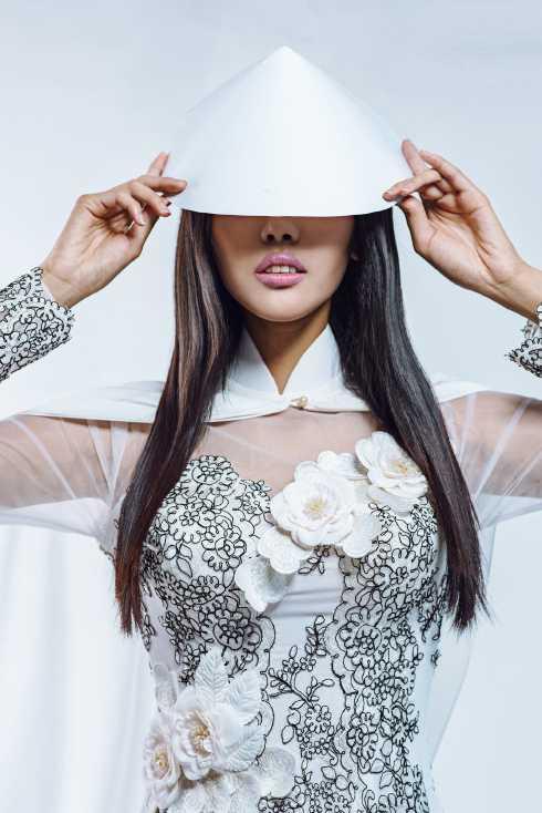 Hiện tại cùng với Phạm Hương thì Lan Khuê là cái tin gây chú ý nhất đối với truyền thông khi có những thể hiện ấn tượng tại cuộc thi Hoa hậu thế giới 2015. Tin vui mới nhất đối với người hâm mộ Việt đó là cô đã lọt vào top 10 thí sinh nổi bật nhất của cuộc thi Miss World 2015 do chuyên trang sắc đẹp Missosology bình chọn.