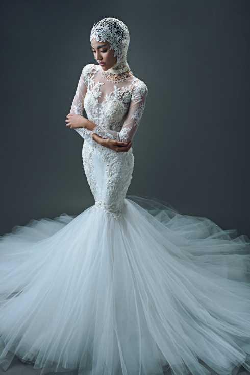 Mới đây, bộ ảnh thời trang cưới mà Lan Khuê thực hiện ngay trước khi lên đường sang Trung Quốc tham dự Hoa hậu thế giới lại càng gây chú ý hơn với người hâm mộ.