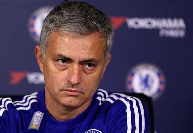 Chelsea sa thải Mourinho