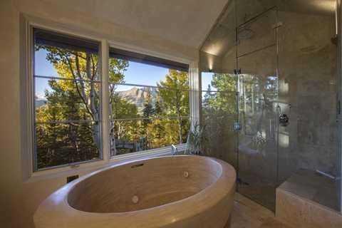 Thiết kế bồn tắm ấn tượng và hiếm gặp