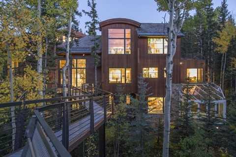Theo tờ  Los Angeles Times, để xây dựng được đoạn đường bằng gỗ tuyệt đẹp này, số tiền phải bỏ ra khoảng 140.000 USD