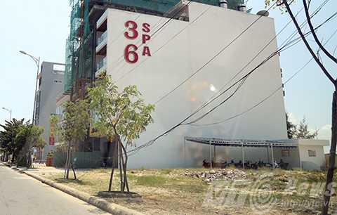 Thông tin từ Văn phòng đăng ký đất đai quận Ngũ Hành Sơn (Đà Nẵng), hiện có 246 lô đất ven biển Đà Nẵng nghi do người Trung Quốc núp bóng thu gom.
