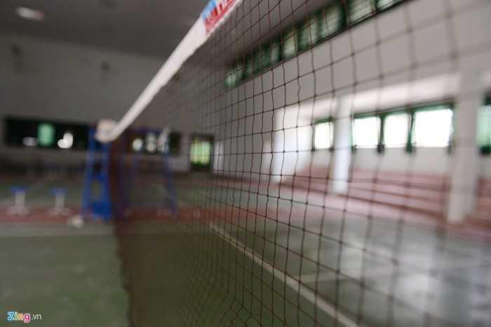Nhà đa năng trường Phan được thiết kế rộng, là nơi diễn ra hoạt động thể thao như bóng chuyền, cầu lông…