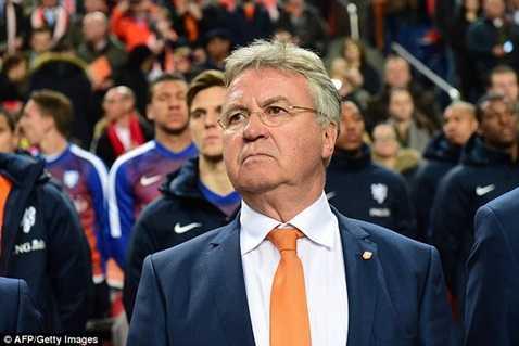 Guus Hiddink nằm trong số những người có khả năng thay Mourinho