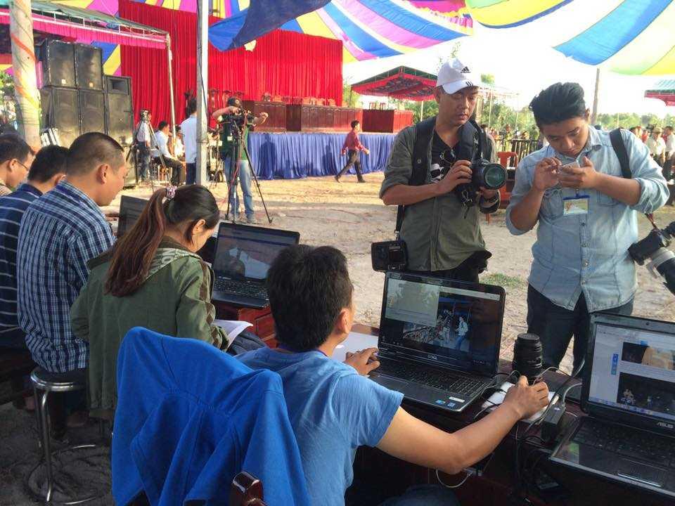 Hàng trăm phóng viên, nhà báo trên cả nước cũng đăng ký xin đưa tin về phiên toà xét xử vụ án chấn động.