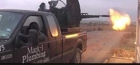 Chiếc xe bán tải của xưởng ống nước Mark-1 Plumbing tình cờ lọt vào tay IS