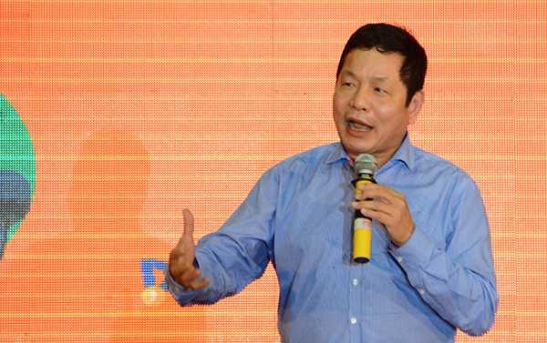 Chủ tịch FPT Trương Gia Bình khẳng định FPT sẽ tiếp tục theo dõi, ủng hộ cho sáng tạo của các bạn trẻ.
