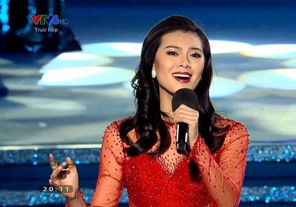 Vu Văn Hà hát tặng các thí sinh Hoa hậu Thế giới 2015
