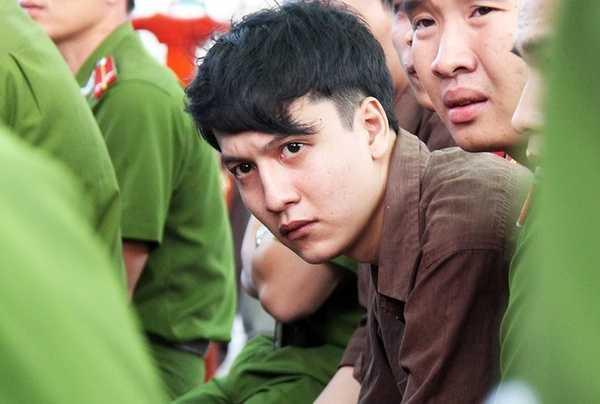 Nguyễn Hải Dương ở phiên toà