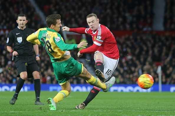 Rooney trở lại đá cắm
